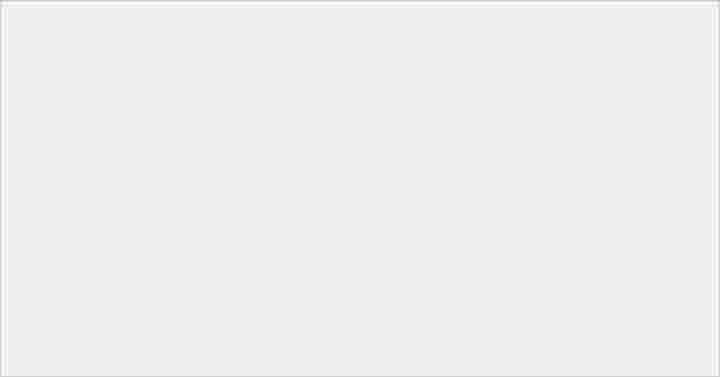 霧面磨砂 + 屏幕更大 + 設計更成熟!三星 Galaxy Z Fold2 開箱試玩-0